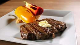 Grilled Rump steak with sea salt and grilled capsicum